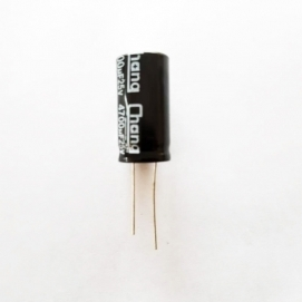 خازن 4700 میکرو فاراد